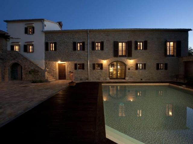 Te koop Topolovec villa - Real Estate - Slovenievastgoed