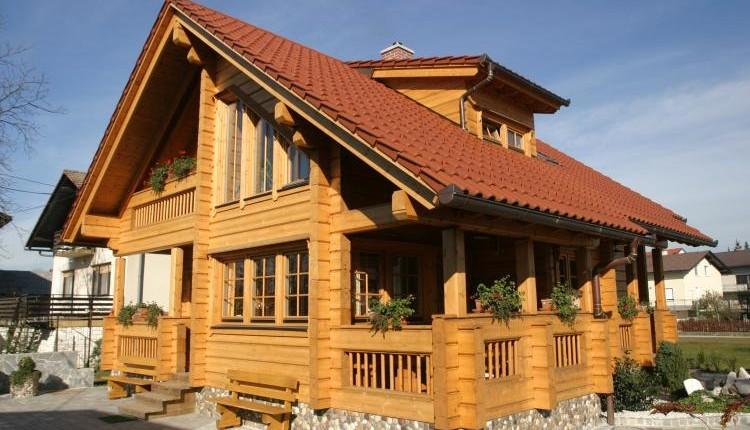 Wooden cottage - Slovenievastgoed.nl
