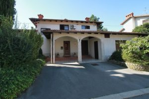 for sale home rence vipava valley