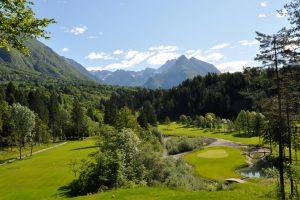 te koop uitzicht Golfbaan Bovec - Slovenië - www.slovenievastgoed.nl