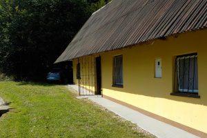 te koop 200 jaar oude cottage - www.slovenievastgoed.nl