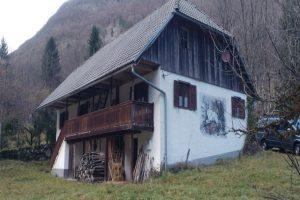 te koop cottage Lepena valei - www.slovenievastgoed.nl