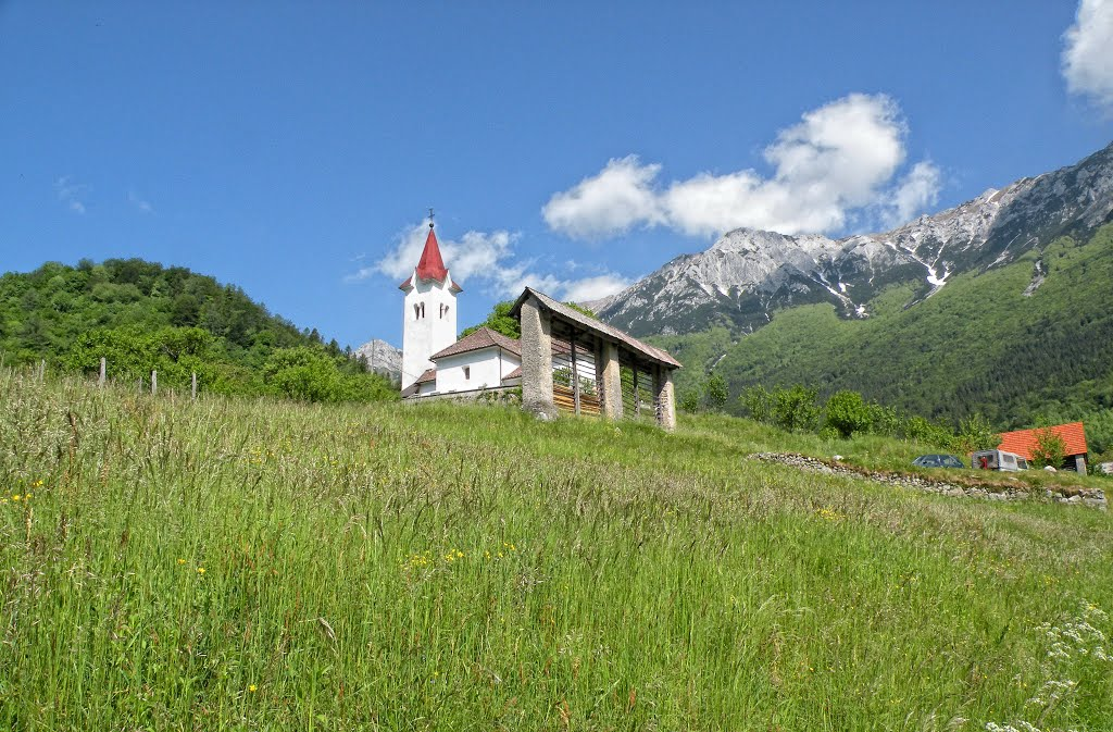 te koop Kerk Heilige Lambert te Rut -www.slovenievastgoed.nl