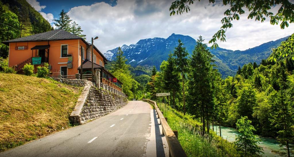 te huur gasthuis Andrejc - Soca vallei - Real Estate Slovenia - www.slovenievastgoed.nl
