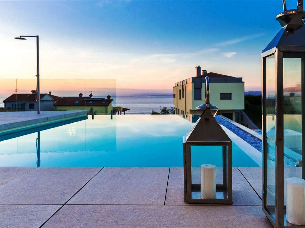 Adriatische kust Villa Galla te koop-www.slovenievastgoed.nl- REAL ESTATE SLOVENIA