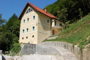farmhouse Dolenja Trebusa For sale Real Estate Slovenia-www.slovenievastgoed.nl
