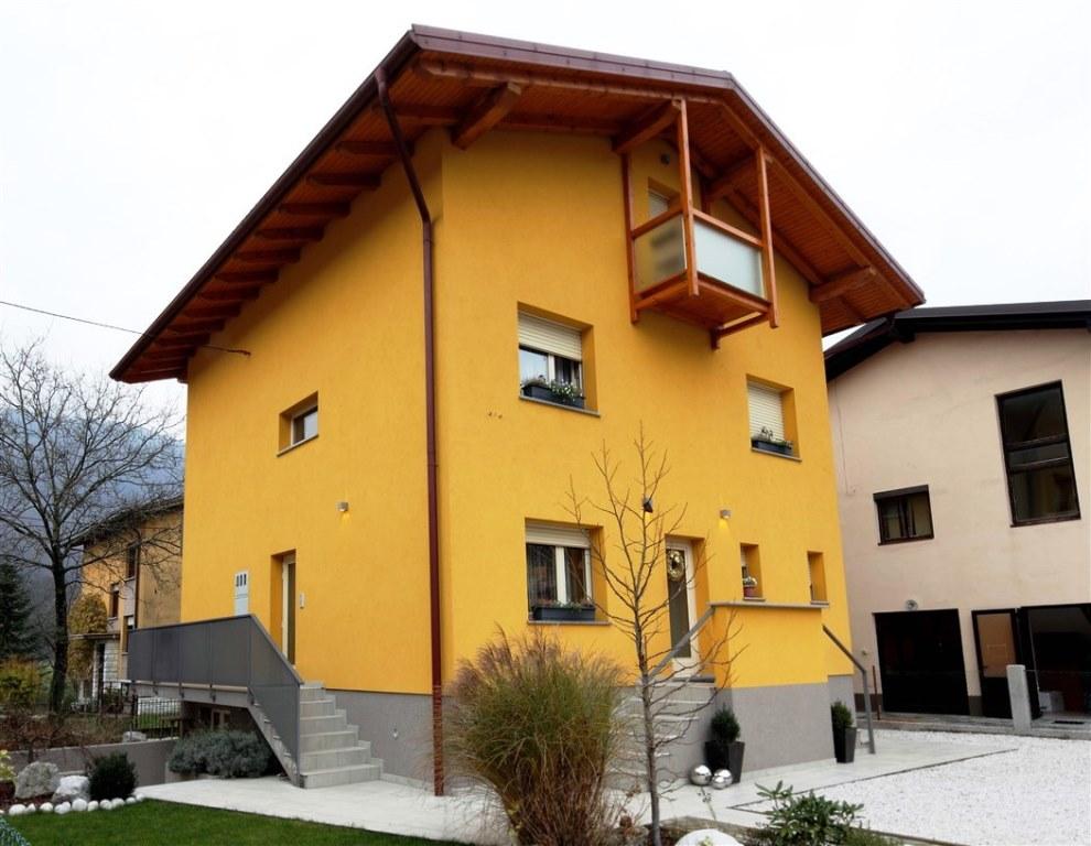 House with apartments ready for rent - Kobarid - Real Estate Slovenia - www.slovenievastgoed.nl