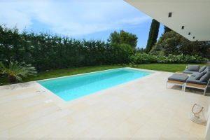 Villa met zwembad te koop Portoroz - Real Estate Slovenia - www.slovenievastgoed.nl