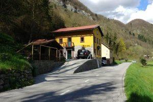 Vrijstaande gerenoveerde woning te koop Baca Pri Modreju - Real Estate Slovenia - www.slovenievastgoed.nl