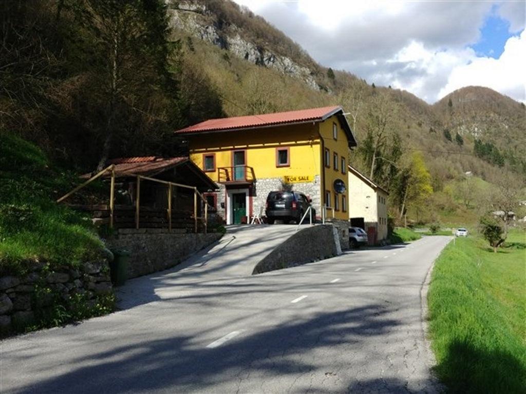 for sale lovely home large plot - Baca pri Modreju - Real Estate Slovenia - www.slovenievastgoed.nl