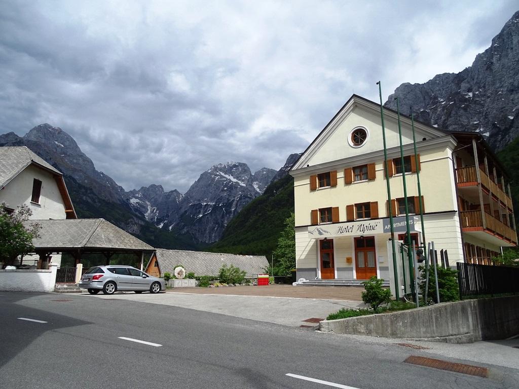 For sale 3 star hotel Triglav National Park - Log Pod Mangrtom - Real Estate Slovenia - www.slovenievastgoed.nl