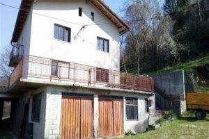 Te koop woning veel grond - Doblar - Real Estate Slovenia - www.slovenievastgoed.nl
