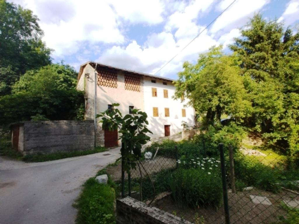 For sale farm estate Gorenje Polje - Real Estate Slovenia - www.slovenievastgoed.nl