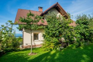 Huis te koop Skrilje nabij Ljubljana - Real Estate Slovenia - www.slovenievastgoed.nl