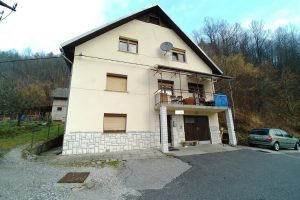 Te koop vrijstaande woning Spodnja Kanomlja - Real Estate Slovenia - www.slovenievastgoed.nl