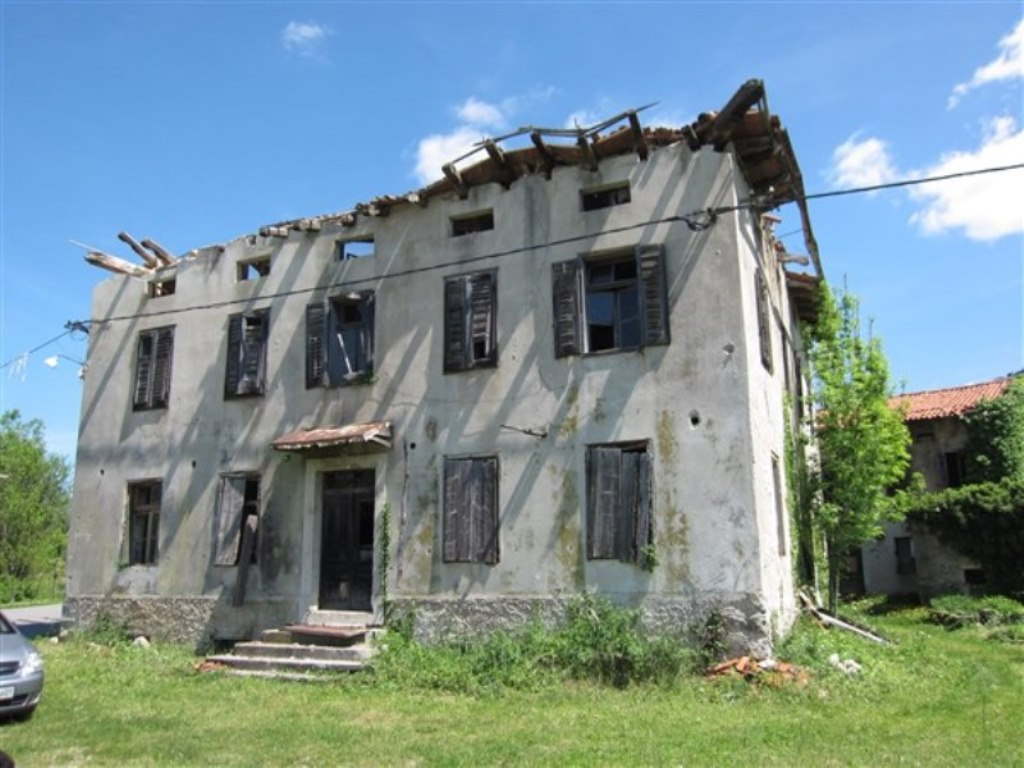 Grgarske Ravne bedrijfsgebouw en woning te koop - Real Estate Slovenia - www.slovenievastgoed.nl