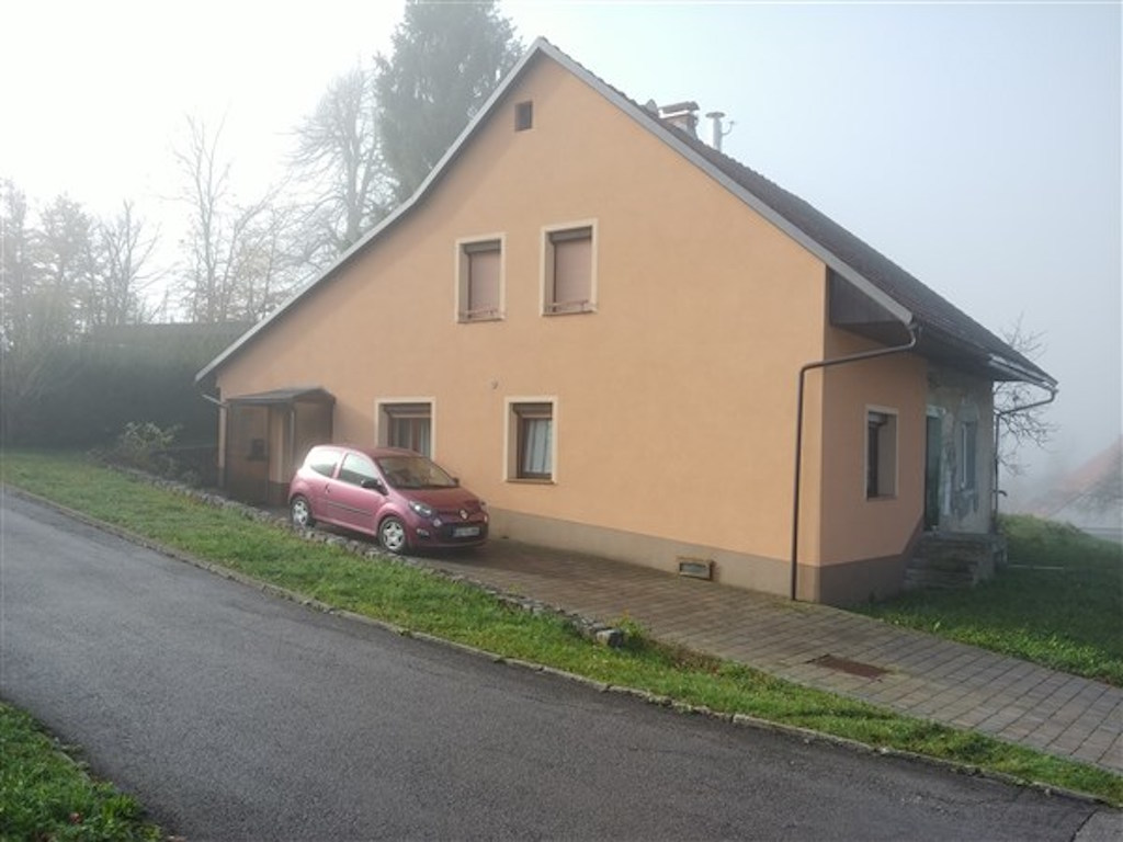 Eengezinswoning te koop Godovic - Real Estate Slovenia - www.slovenievastgoed.nl