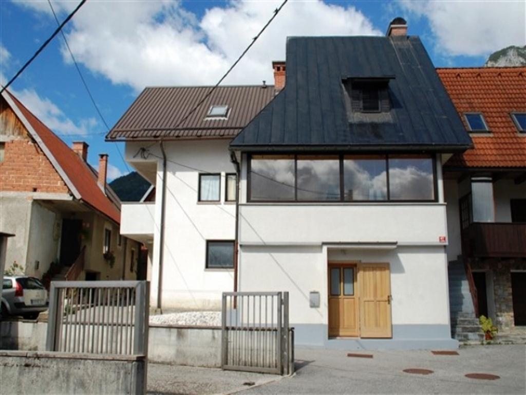 Woning te koop Pluzna nabij Virje waterval - Real Estate Slovenia - www.slovenievastgoed.nl